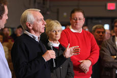 "<div class=""source"">Stephen Lega</div><div class=""image-desc"">Gov. Steve Beshear paid a visit to the Centre Square shelter in the aftermath of the storm. </div><div class=""buy-pic""><a href=""/photo_select/32636"">Buy this photo</a></div>"