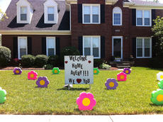 "<div class=""source""></div><div class=""image-desc"">When Avery came home from the hospital, some of her friends and their parents decorated Avery's front yard. ""It was a really special surprise and so cool to pull in the driveway and see all of these flowers and a big sign in the front yard,"" Avery's mother, Lesley said.</div><div class=""buy-pic""></div>"