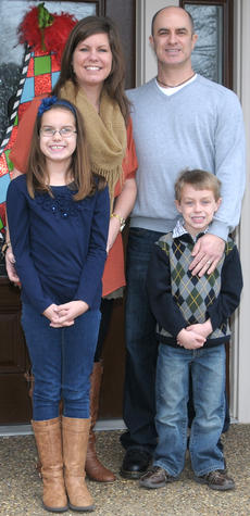 "<div class=""source""></div><div class=""image-desc"">Pictured is the Leachman family, from left, Avery, 9, her brother, Max, 6, her mother, Lesley and her father, Del.</div><div class=""buy-pic""></div>"