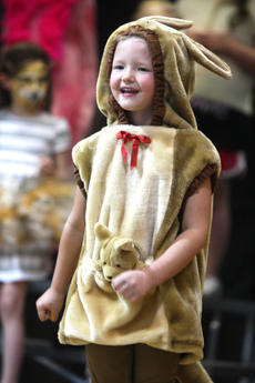 """<div class=""""source"""">Stevie Lowery</div><div class=""""image-desc"""">Tori Gribbins, a very cute kangaroo, recites some of her lines during the musical. </div><div class=""""buy-pic""""><a href=""""/photo_select/27249"""">Buy this photo</a></div>"""