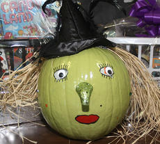 "<div class=""source"">Stevie Lowery</div><div class=""image-desc"">This pumpkin looks evil just like the evil witch on the Wizard of Oz.</div><div class=""buy-pic""><a href=""/photo_select/30724"">Buy this photo</a></div>"