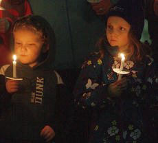 "<div class=""source"">Stephen Lega</div><div class=""image-desc"">Trey, 4, and Ella Thomas, 7, hold candles during the candlelight vigil in honor of the late Anthony Rakes. </div><div class=""buy-pic""><a href=""http://web2.lcni5.com/cgi-bin/c2newbuyphoto.cgi?pub=015&orig=11-20-13_rakes_vigil-pic_3.jpg"" target=""_new"">Buy this photo</a></div>"