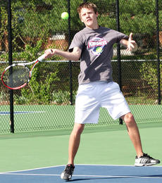 """<div class=""""source"""">Jessica Veatch</div><div class=""""image-desc"""">Alex Spalding, shown in a photo from earlier this season, fell to the boys No. 1 seed in the second round of the state tournament.</div><div class=""""buy-pic""""><a href=""""/photo_select/27378"""">Buy this photo</a></div>"""
