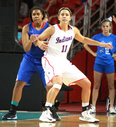 """<div class=""""source"""">Stephen Lega</div><div class=""""image-desc"""">Logan Powell defends an Indiana's Rhagen Smith in Friday's win for Kentucky's girls.</div><div class=""""buy-pic""""><a href=""""/photo_select/28120"""">Buy this photo</a></div>"""