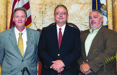 "<div class=""source""></div><div class=""image-desc"">Wendell Followell and Brian Mattingly, members of the 2012 Leadership Kentucky, visited with Senator Jimmy Higdon in Frankfort.</div><div class=""buy-pic""></div>"
