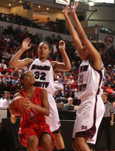 "<div class=""source"">Stephen Lega</div><div class=""image-desc"">Marion County's Kyvin Goodin-Rogers (32) and Alexus Calhoun (21) surround Anderson County's Eriel McKee.</div><div class=""buy-pic""><a href=""http://web2.lcni5.com/cgi-bin/c2newbuyphoto.cgi?pub=015&orig=MCvsAC-kyvin%2Band%2Balexus_1.jpg"" target=""_new"">Buy this photo</a></div>"