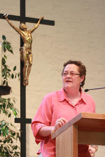 Sr. Kim Klein spoke on the effect of income inequality and how the Sisters of Loretto can work to improve the quality of life throughout the country.