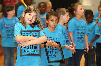 Pictured are first graders Mary Morgan-Allen, Railee Jo Gordon, Gabe Washington, Gage Sullivan and Karli Veatch.
