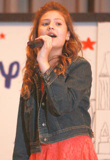 "Kallie Perkins sings ""The Climb"" from Hannah Montana the Movie."