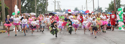 At the start of the Back Tutu School fun run, Spalding Avenue was covered with tutu clad runners on Saturday morning.