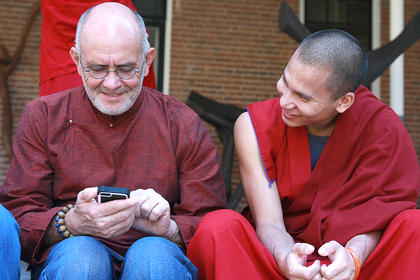 Tenpa Dawa suggests that Charlie Pearl use his thumbs when texting.