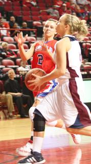 Jordan Thomas drives to the basket against Lincoln County.