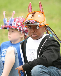 Kanyon Spalding, right, and Alaura McCarty had the right headwear for the event.