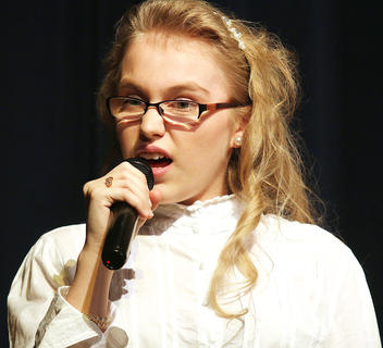 McKenzie Gadberry sings during the variety show.