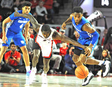"""<div class=""""source""""></div><div class=""""image-desc"""">Ashton Hagans, right,  had four steals against Georgia and leads UK in steals – he's also second in the SEC. (Vicky Graff photo)</div><div class=""""buy-pic""""></div>"""