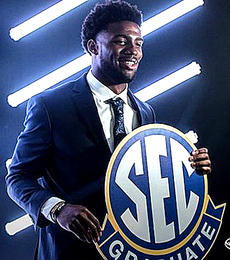 "<div class=""source""></div><div class=""image-desc"">Coaches Will Muschamp of South Carolina and Jimbo Fisher of Texas A&M both think grad transfer Kelly Bryant will make a smooth transition from being quarterback at Clemson to leading Missouri this year. (Missouri Athletics photo) </div><div class=""buy-pic""></div>"