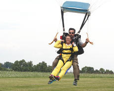 """<div class=""""source"""">Stevie Lowery</div><div class=""""image-desc"""">Sharon """"Sam"""" Bach and Shawn Barnett come in for the landing. </div><div class=""""buy-pic""""><a href=""""/photo_select/36577"""">Buy this photo</a></div>"""