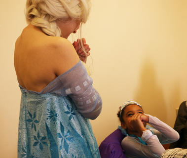 Simone Claiborne was awestruck by Queen Elsa.