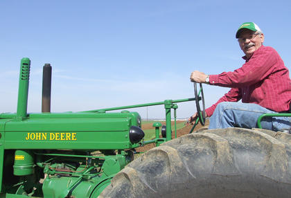 Jackie Crouch stood out if only because his 1946 John Deere G was one of the few green tractors at the event.