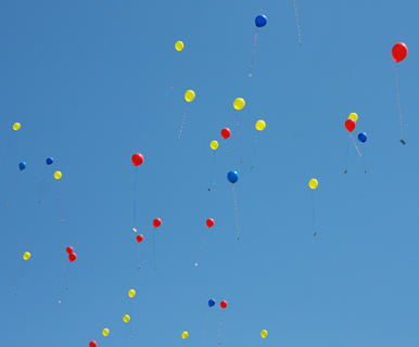 To close the event, hundreds of balloons were released into the air.