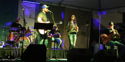 Clay Lanham, Grace Farmer and Eddie Mattingly from The Endless Road band close out the night with their performance.