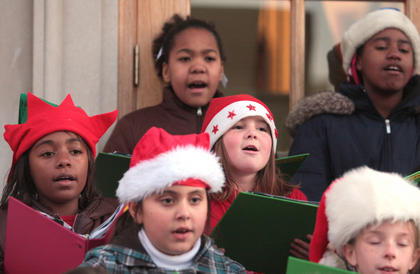 Te'Awnah Hayden, Pheleisha Melton, Brooklyn Wethington, Leah Hayes, Eternity Smith and Shelby Mattingly were among the  singers.