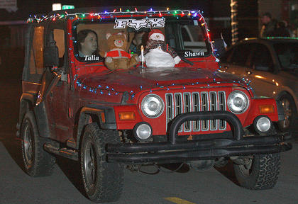 Talia and Shawn Crabtree arrived in a festive Jeep Cherokee.