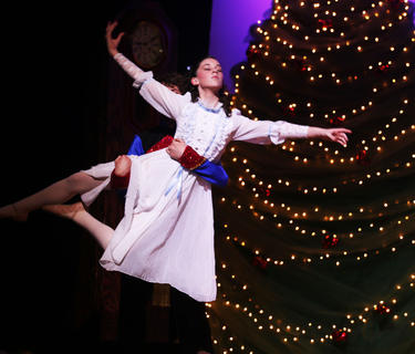 Elli Wilson awakens and discovers her beloved Nutcracker, Luke Hesson, has come to life, and is a handsome prince who dances with her under the light of her Christmas tree.
