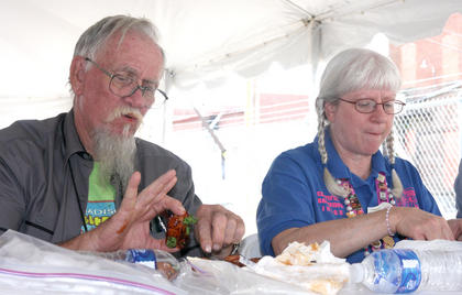 Charles Kringinger and Jan Ewing judging.