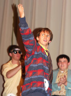 """Dalton Mills thanks the crowd for giving him the """"audience choice"""" award."""