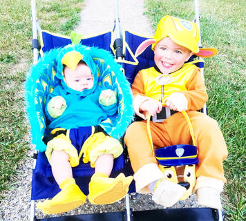 Avery Lynn Evans and Hagan Evans dressed as Peacock and Rubble during Halloween in 2016.