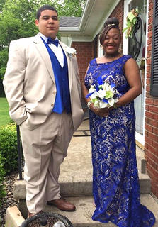 Pictured are Jaybrien Seabrooks and Alexis Sickles.